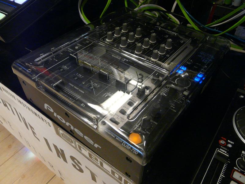 5_DJM800
