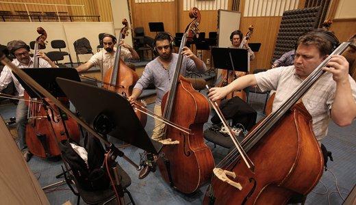 EMOTIVE STRINGSには、ブダペスト・スコアリング・シンフォニック・オーケストラのエキスパート・プレーヤー達による演奏が収められています。